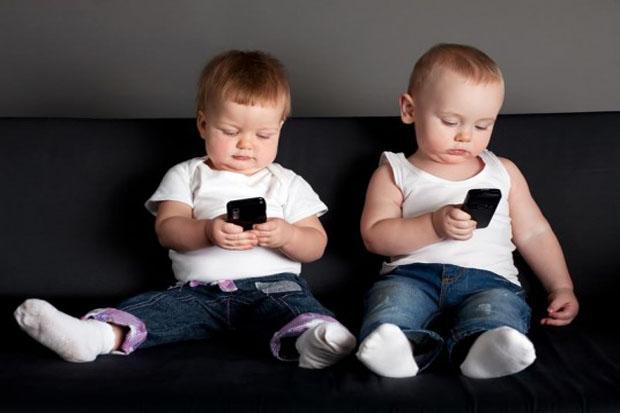 Kiat Mengatasi Ketergantungan Gadget pada Anak